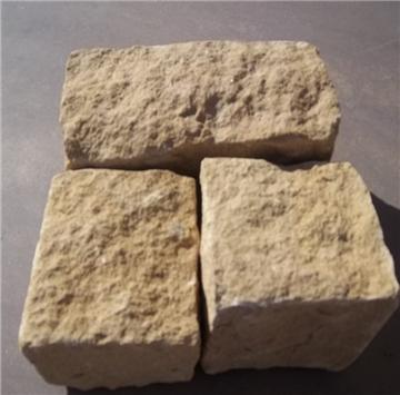 """莱阳光磊石材厂成立于1986年,位于山东省莱阳市,交通便利,运输发达。现已拥有资深采矿、加工的专业人员,严密的管理制度,雄厚的技术力量和先进的生产设备,是集矿山开采、石材加工、产品销售为一体的大型专业化石材厂。 公司主要产品有:各色砂岩,大理石、花岗岩、鹅卵石。独家开采与销售有:白砂岩、金黄砂岩、黄木纹砂岩、灰黄砂岩、灰绿砂岩、灰砂岩;并生产公园桌凳、游泳池边、台阶石、弧形板、圆球、圆柱、石雕等各种异型石材。 公司产品远销欧美、日本、韩国、台湾等几十个国家和地区,年销售量在50万平方米以上。公司""""产品高质量、企业重信誉""""的经营理念赢得了国内外客户的广泛好评。 手机:13706457474   15266523625    电话: 0086-535-7508396                  传真:0086-535-7508728       网址:www.guanglei-stone.com    Email:guanglei_ycl@126.com      MSN:guanglei_ycl@126.com    QQ: 1057423066         地址:莱阳市吕格庄镇联系人:杨成林"""
