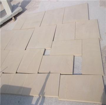 最新开采硬质黄砂岩,硬度高产量大,深受广大客户的喜爱。