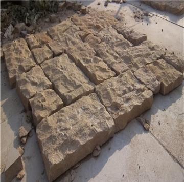 自有矿山,批量供应黄砂岩自然面墙石