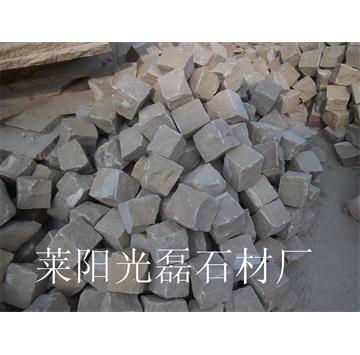 黄砂岩自然面小方块100*100*100mm现货,厂家直销