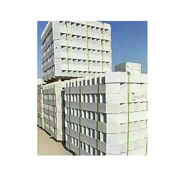 """芝麻白又名白麻,是一种天然花岗岩,质地坚硬,细腻如雪。用途繁多,可以作为板材、地铺、台面、雕刻、工程外墙板、室内墙面板、地板、广场工程板、环境装饰路沿石等各种建筑和庭园石材的材料。  三和石材厂本着""""客户至上 诚信经营""""的原则,与多家 企业建立了良好的合作关系 .真诚欢迎各界朋友来电,来人参观、考察、洽谈业务 。"""