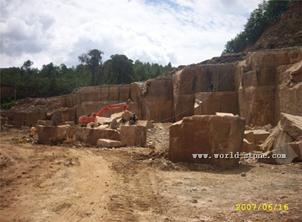 云南砂岩矿山-宝丽达石材
